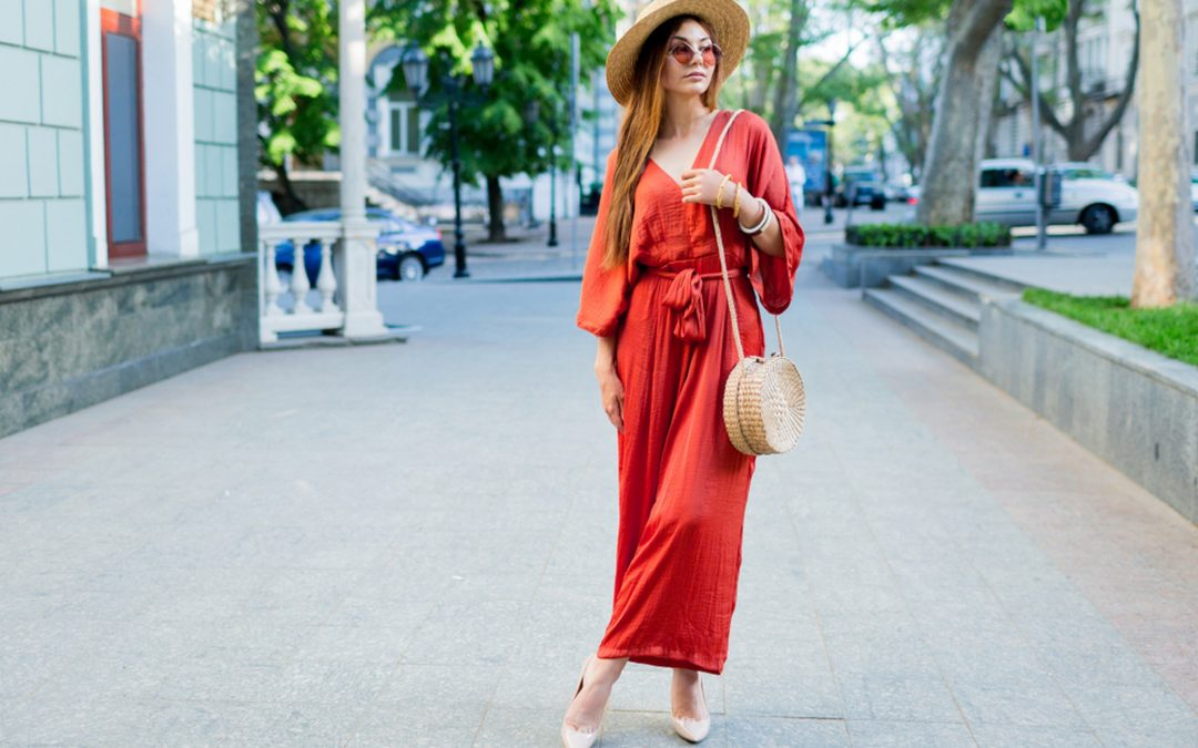 5 Comfortable Travel Outfits for Women That Are Stylish
